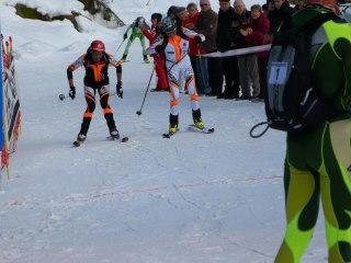Kilian jornet esqui montaña 2º en campeonato francia 2013 sprint a meta con Jacqueumod Foto Nuria Burgada