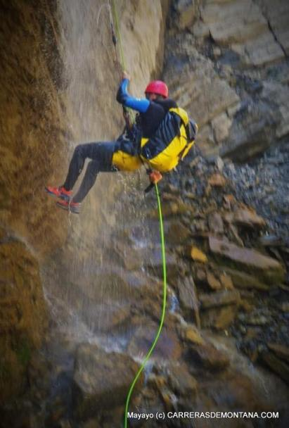 Pirineo Aragones, descenso barranco Aguare en Canfranc