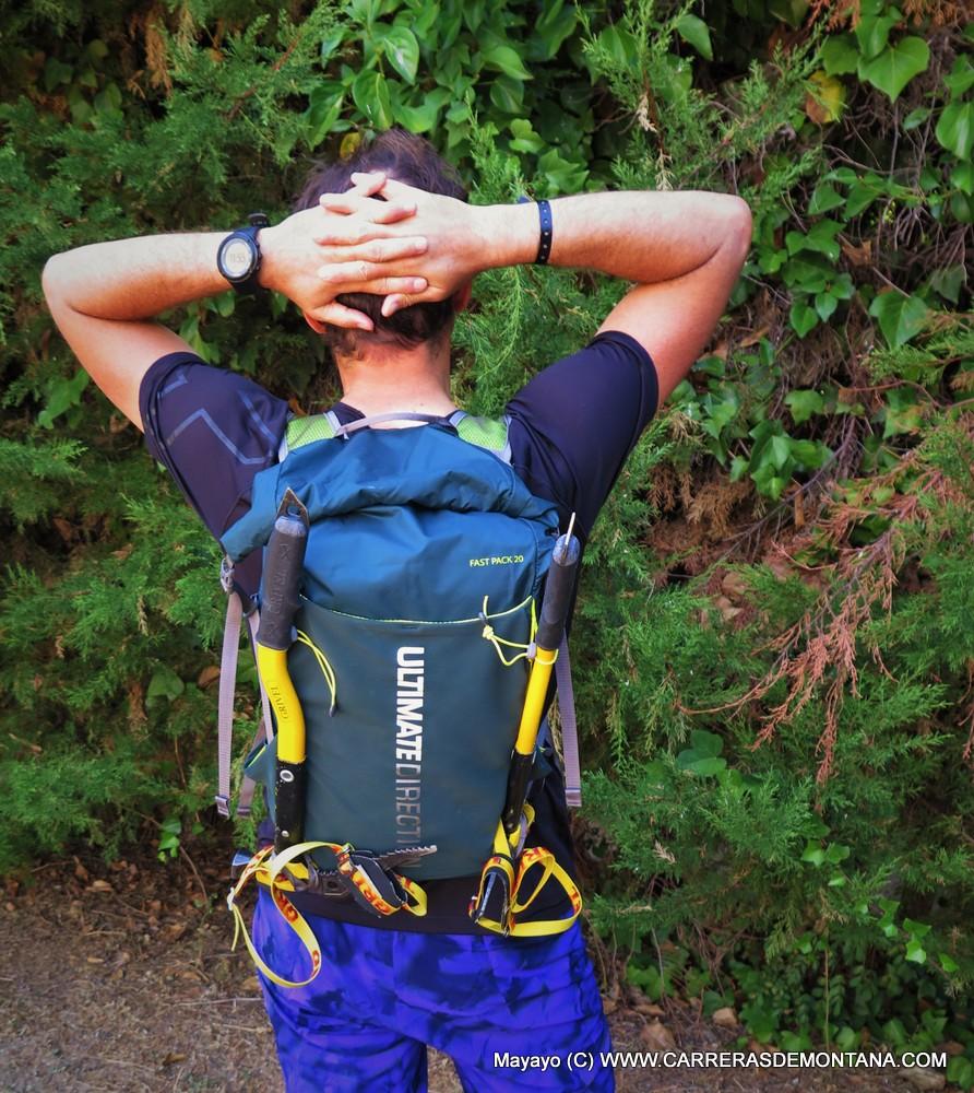 Mochilas de Montaña: Ultimate Direction Fastpack 20 (150€/535gr/15-23L) Ligereza y ajuste para travesías.
