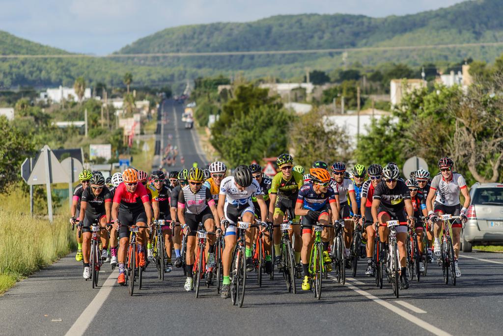 Ciclismo: XVI VUELTA CICLOTURISTA IBIZA 2018 (11-14OCT) TRES ETAPAS SUMANDO 191K PARA 500 participantes. Programa y trazados.