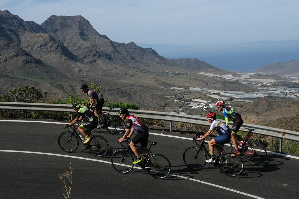Cicloturista Gran Canaria Bike Week (2-8DIC/500km) Más de 800 ciclistas surcan Gran Canaria de arriba abajo, durante una semana.