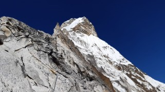 Alex txikon amadablam fixing route C1C2 3