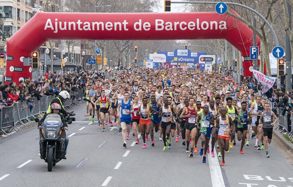 MEDIA MARATÓN BARCELONA 2020 BATE RECORDS: 23.000 DORSALES EN LA 30ª EDICIÓN. Ganan Victor Chumo (59m58) y Ashete Bejere (1h06m37)